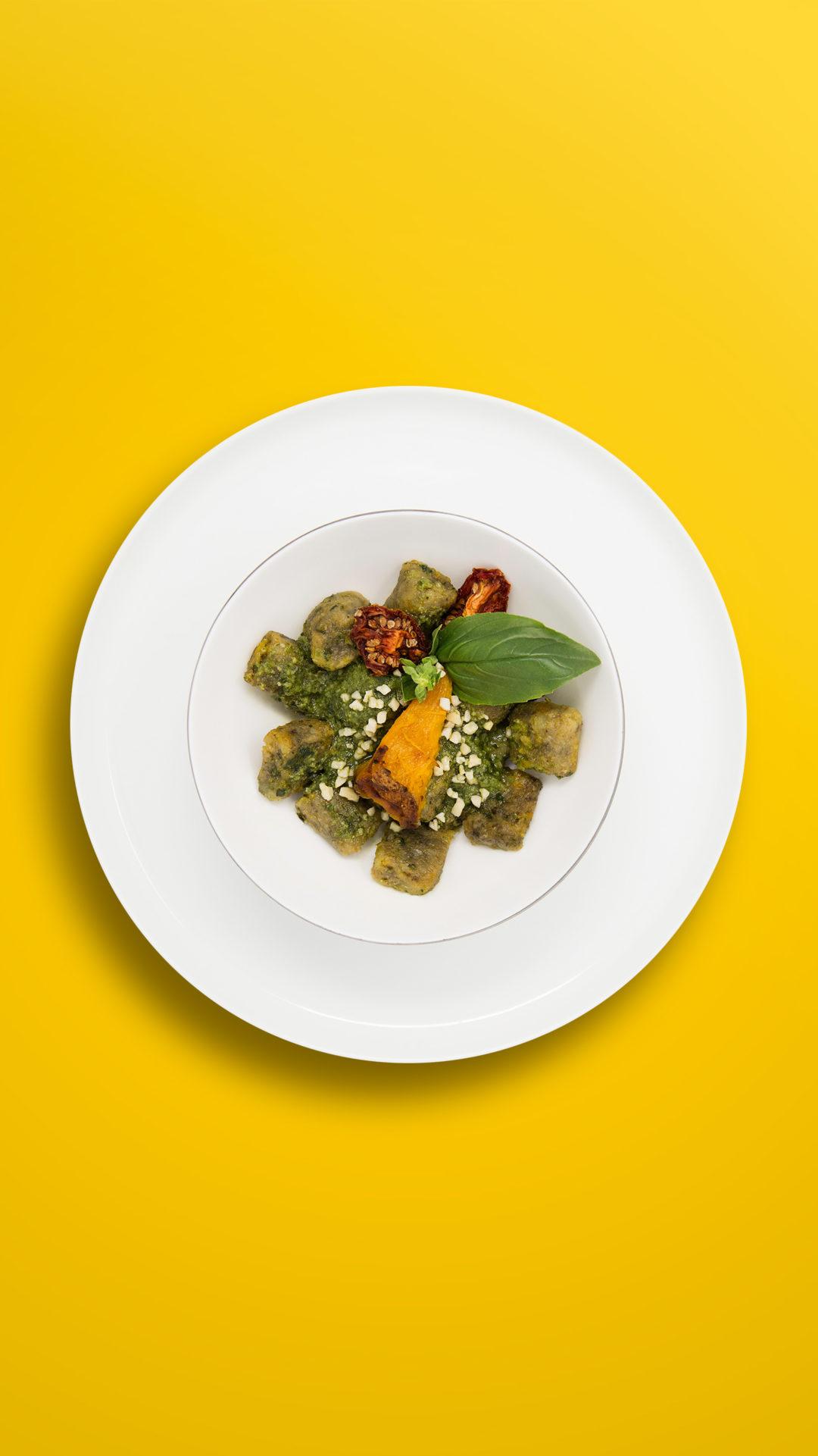 Kürbis-Gnocchi mit Haselnusspesto