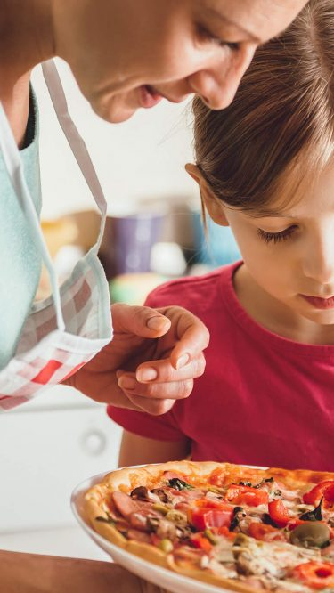 Bringen Sie Ihrem Kind eine gesunde Ernährung bei – beim gemeinsamen Kochen
